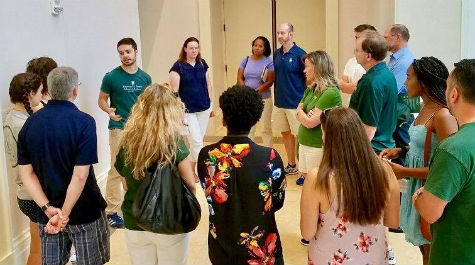 Mason School of Business students led families on tours and shared information about our programs, including our new Global Business Minor.