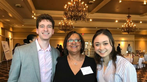 Cynthia Dinkins and Michael Gropper with student at mentor dinner